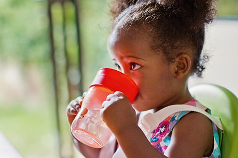 Perfect match: Find the best sippy cup to support your baby's development stage
