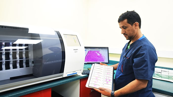 Philips teams up with Al Borg Laboratories on digital pathology